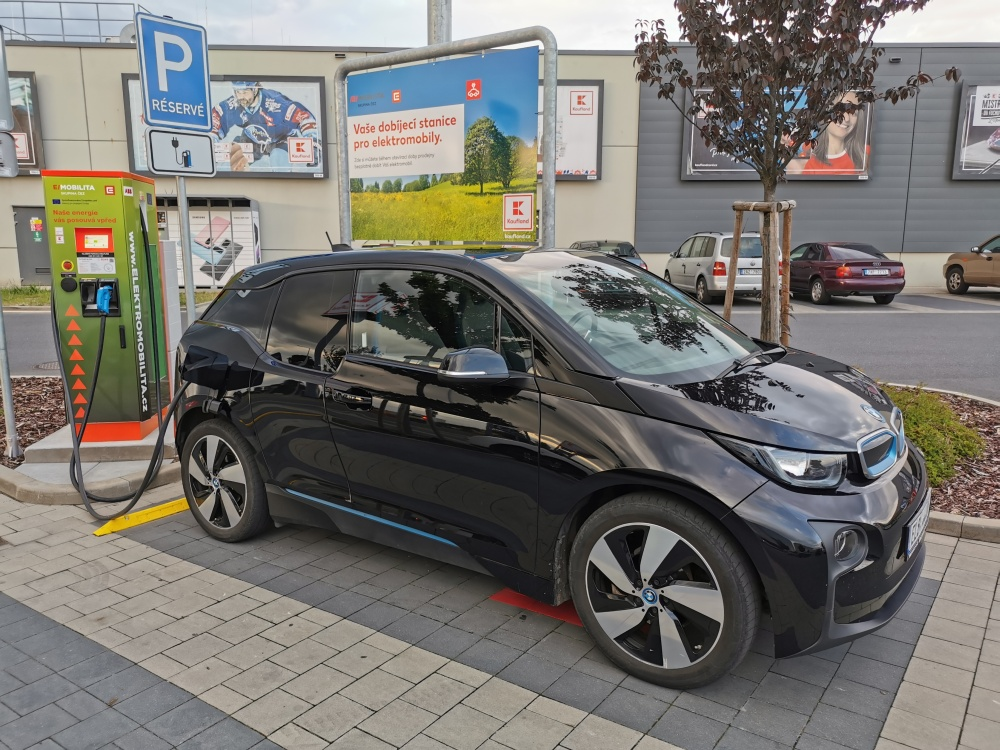bmw-i3-cez-charger